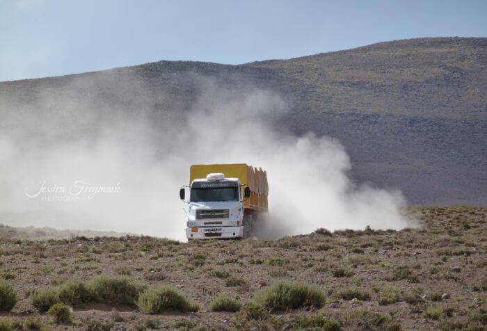 Lastwagen auf dem Puna Plateau