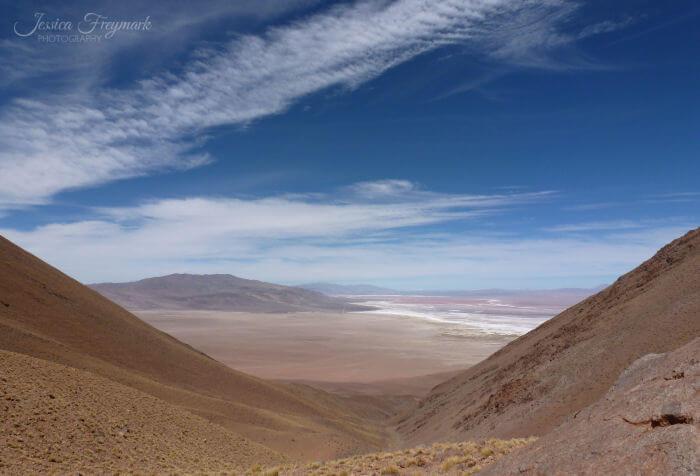 Aussicht aus dem Vulkankrater auf den Salzsee