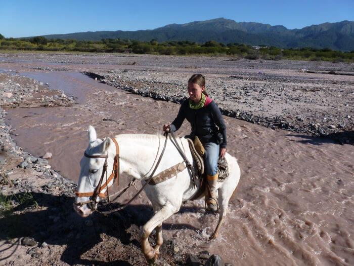 Jessica reitet in Argentinien